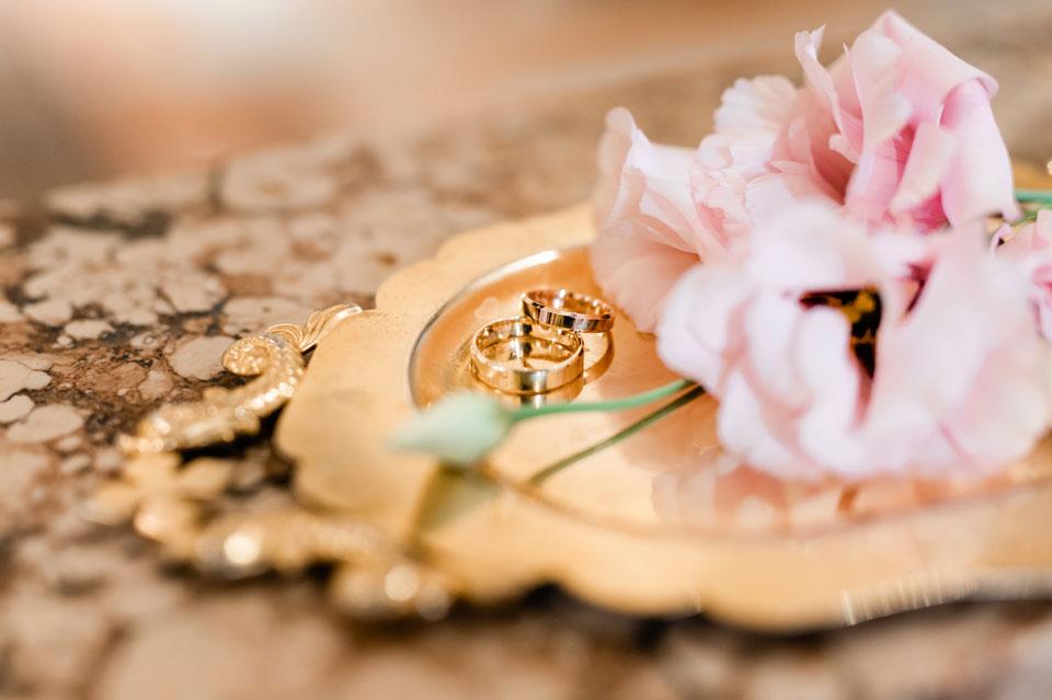 KORFU-ślub-konkordatowy--obrączki-a